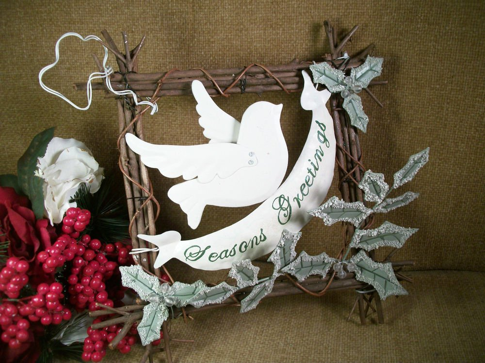 Season's Greetings White Dove and Holly Leaves on Grapevine Christmas Wall Decor