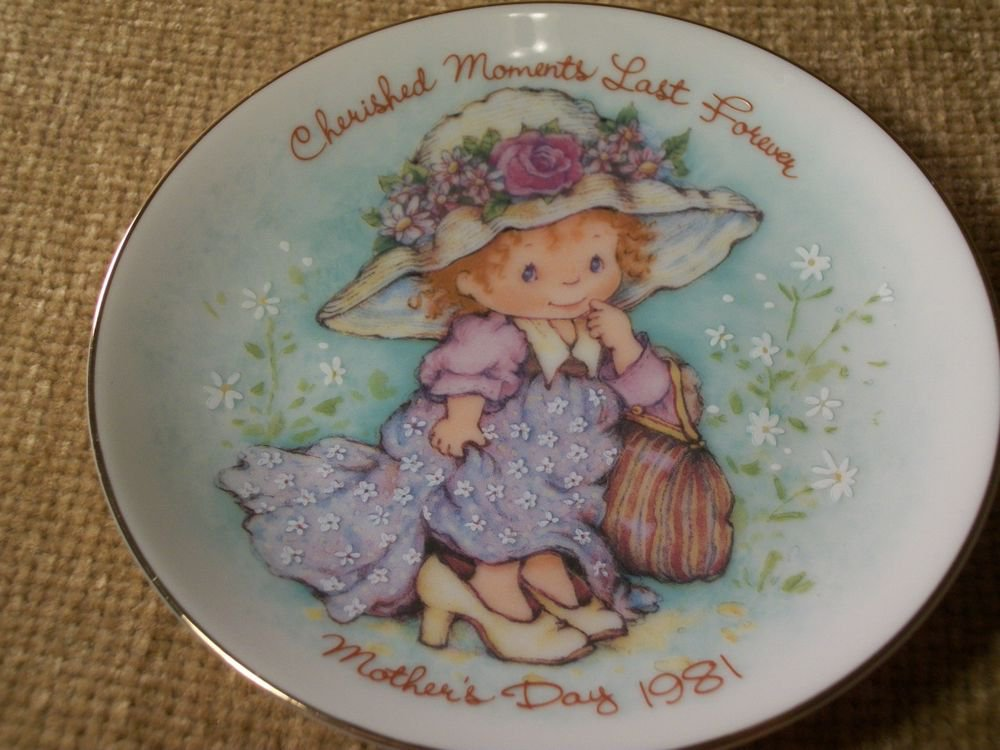 VTG AVON 1981 Mother's Day Plate Cherished Moments Last Forever Playing Dress Up