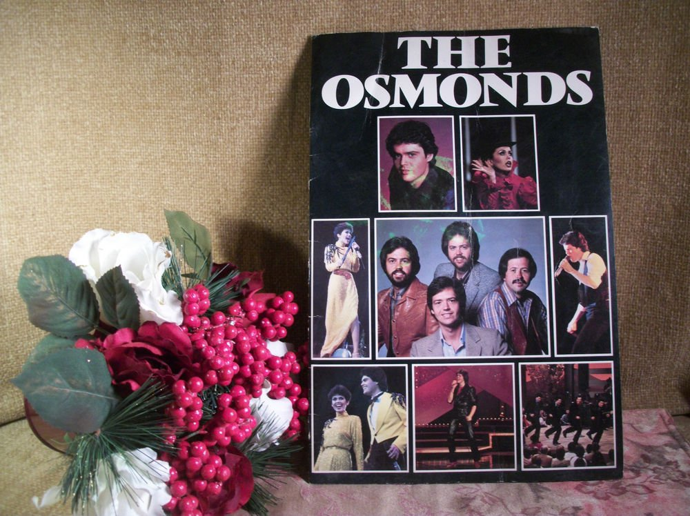 The Osmonds Concert Program 1982 Tour Book Souvenir VTG Collectible Marie Donny