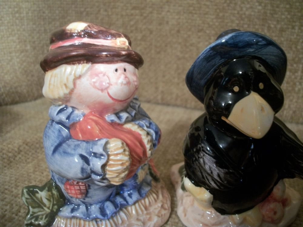 Salt and Pepper Shakers Scarecrow Black Crow Colorful VTG Ceramic Fall Tableware