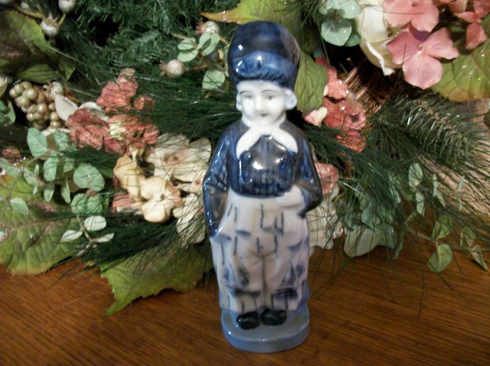 Dutch Woman Delft Figurine Blue White VTG Porcelain Collectible made in Japan