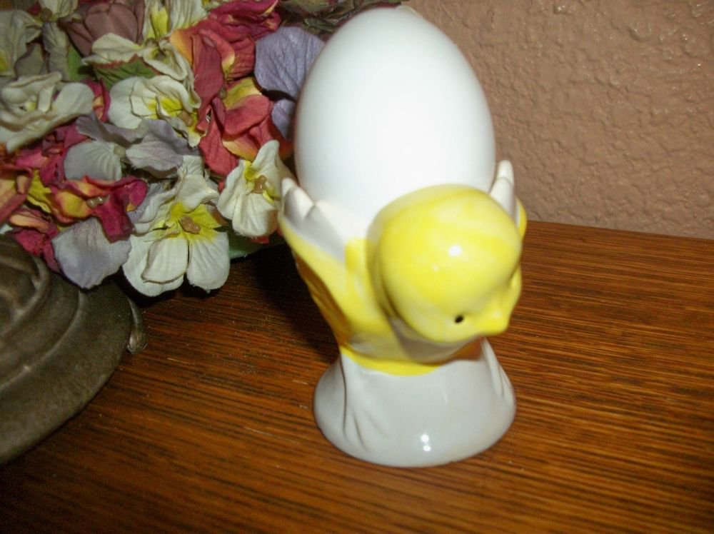 Egg Cup Baby Chick Dish Yellow Ceramic Vintage Serving Bowl Chicken Figurine