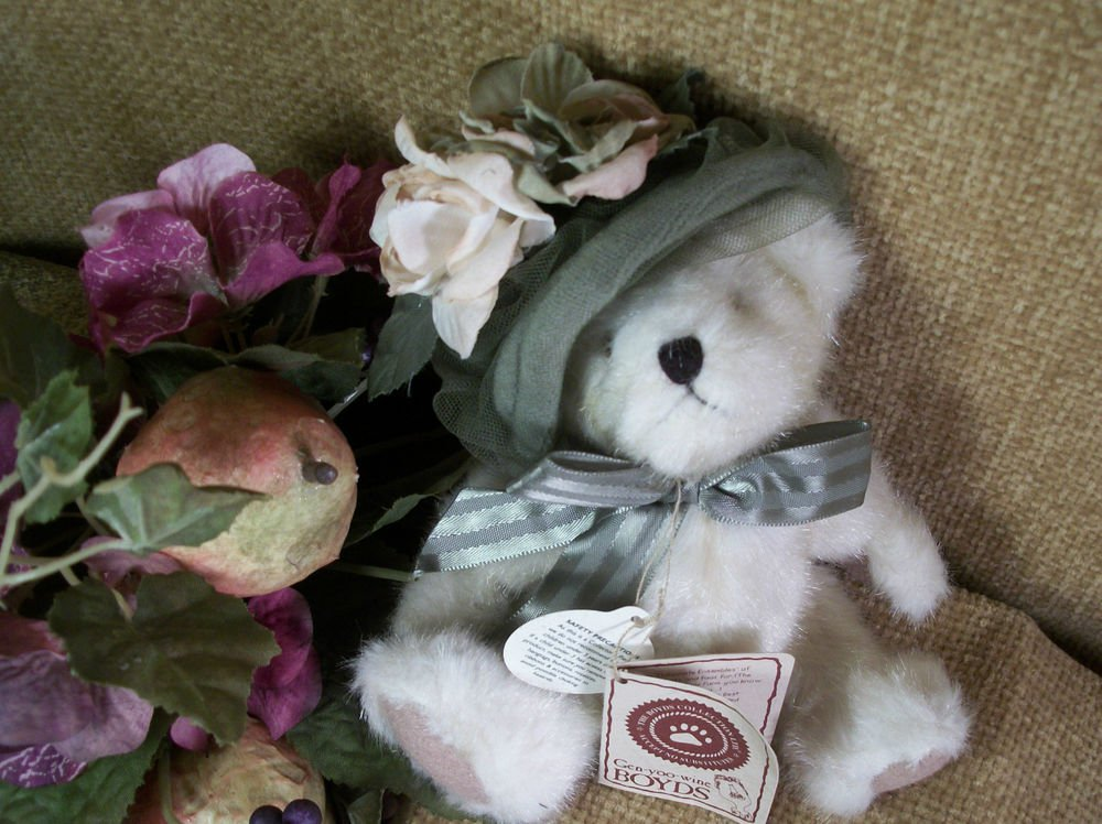 "BOYDS Bear Mimi Chapeau  6"" Plush Stuffed Animal Green Velour Hat Retired 918449"