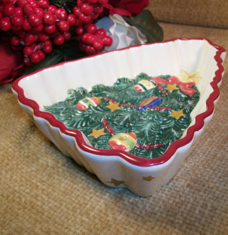 Pfaltzgraff Holiday Garland Christmas Tree and Stars Hand Painted Serving Dish