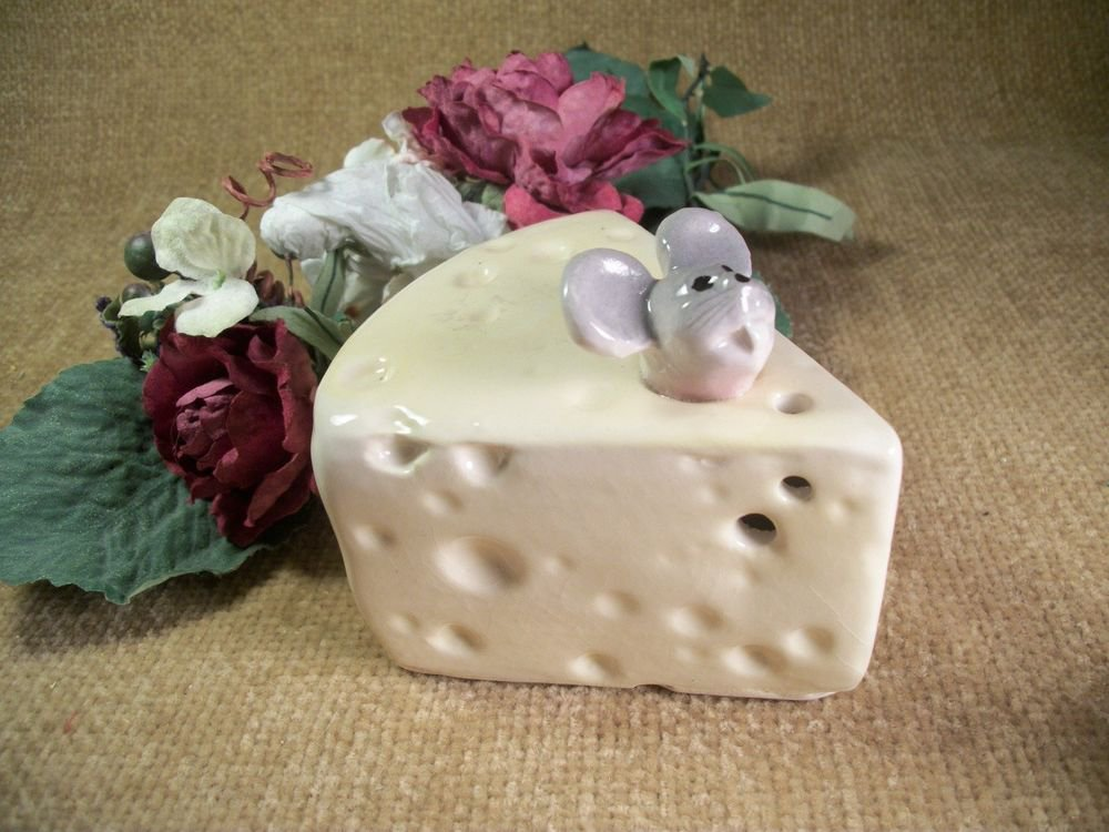 Vintage Ceramic Mouse Cheese Server, Cheese Shaker, Grey Mouse,  Wedge of Cheese