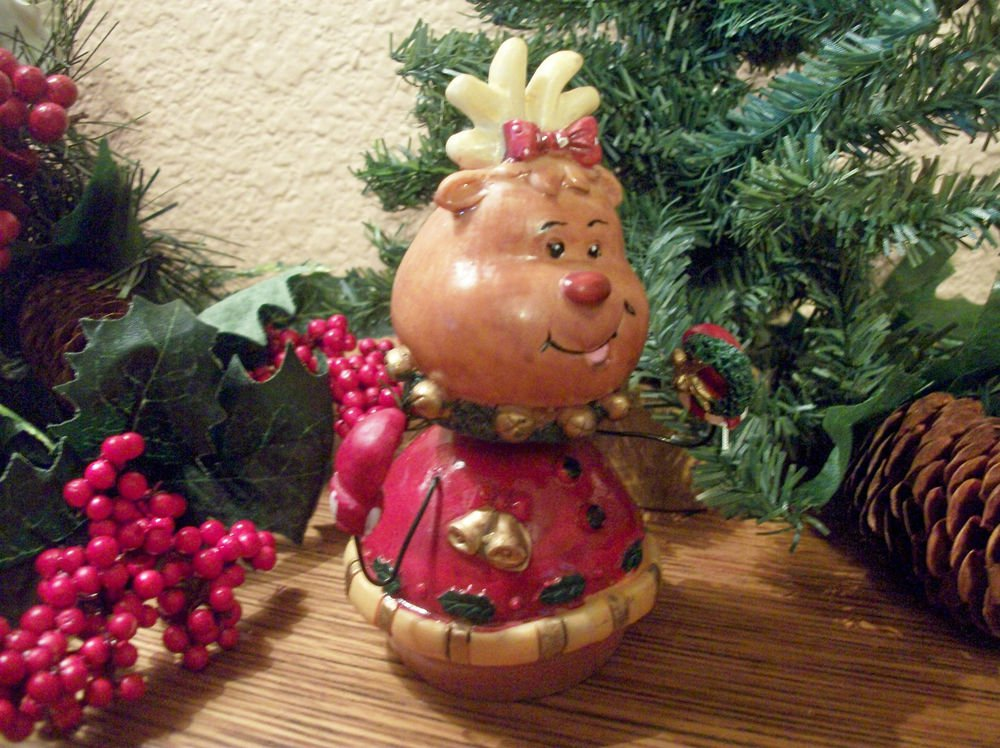 Modern Reindeer Bobble Head Figurine Christmas Winter Home Decor