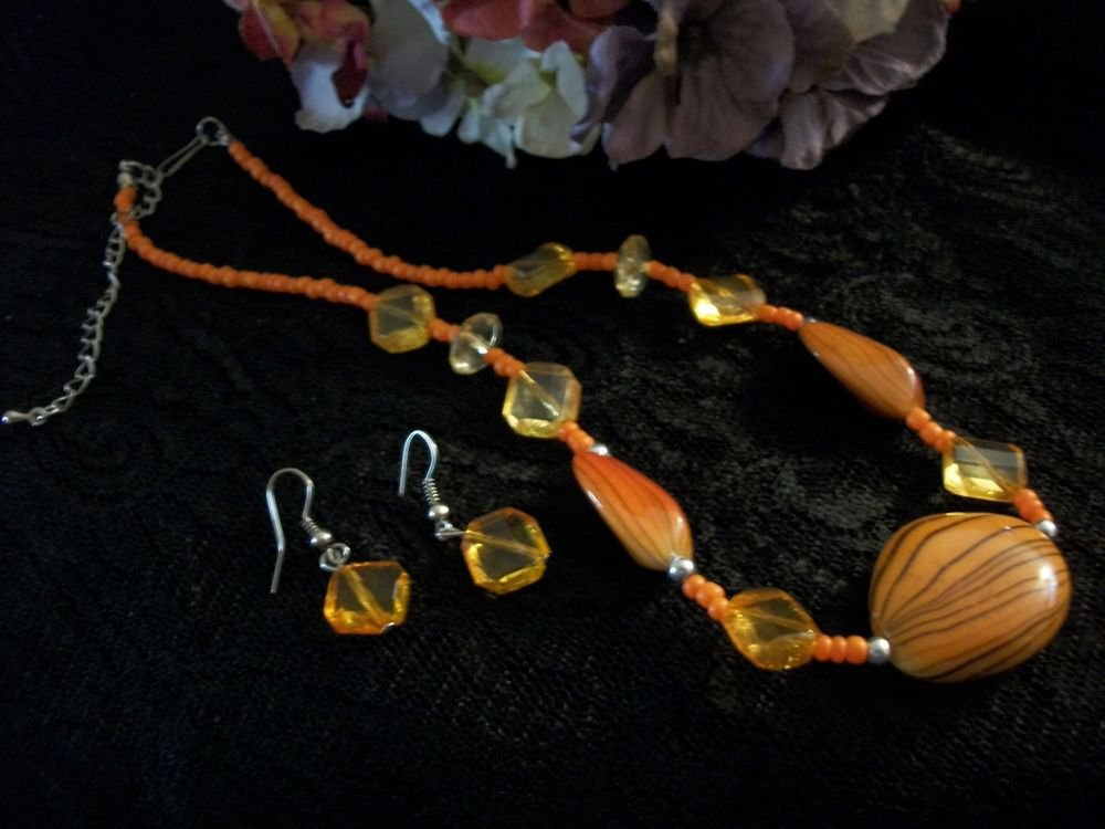 Necklace Earrings Set Orange Brown Amber Beaded VTG Jewelry Adjustable Length