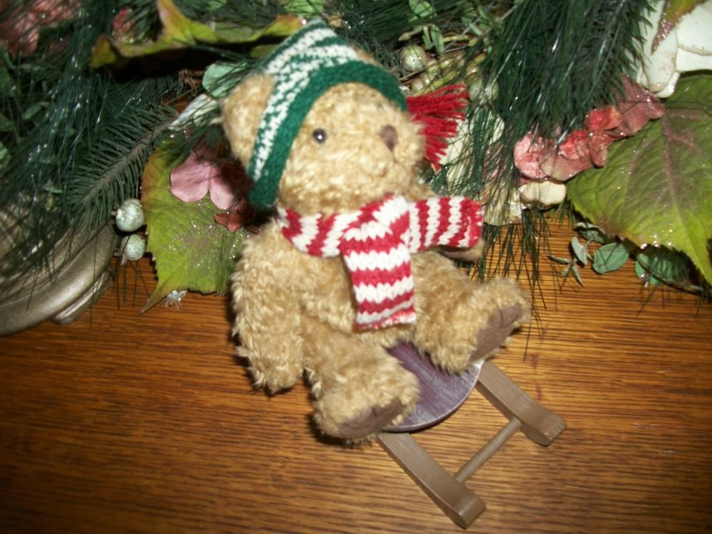 Alpine Lodge Plush Bear Russ Berrie Retired SLEDS 4671 Green Hat Christmas Decor