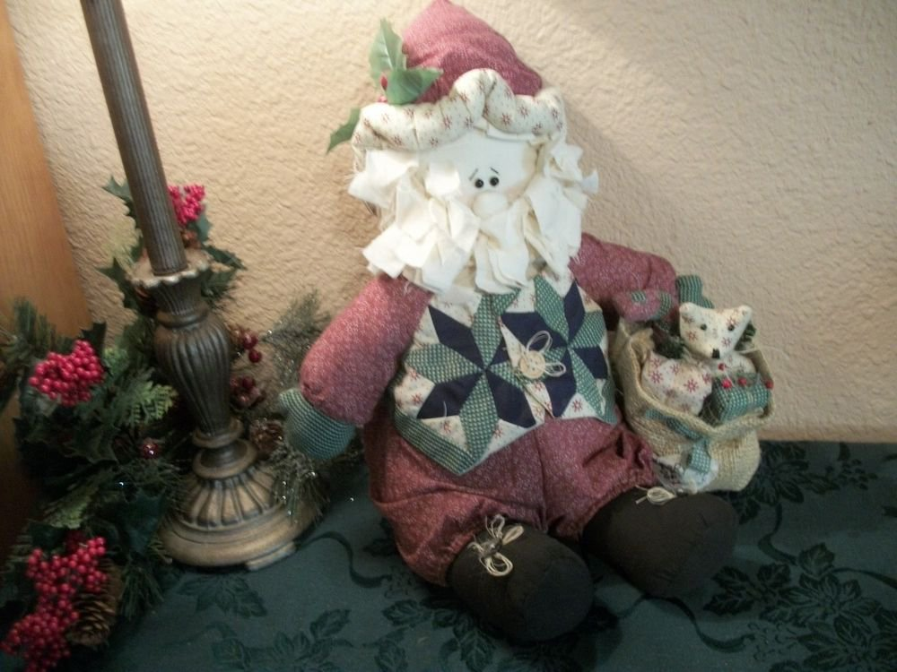 "Santa Claus House of Lloyd VTG Christmas Decor Country Quilt Fabric 14"" Doll"