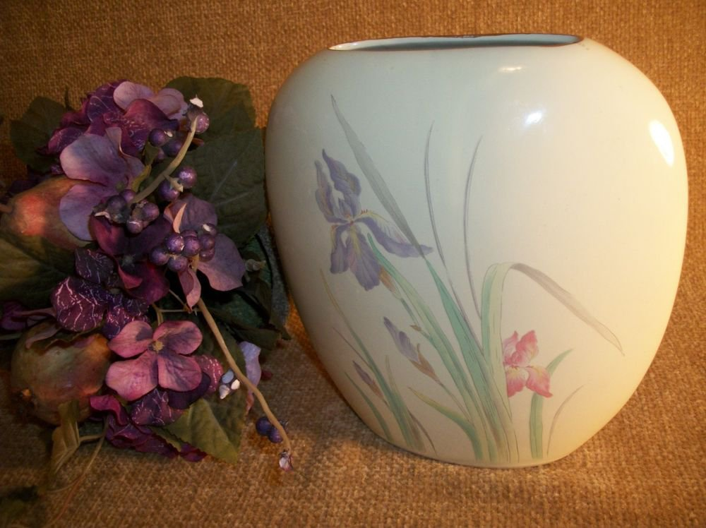 Flower Vase Decorative VTG Pottery Floral Ceramic Iris Irises Pink Purple
