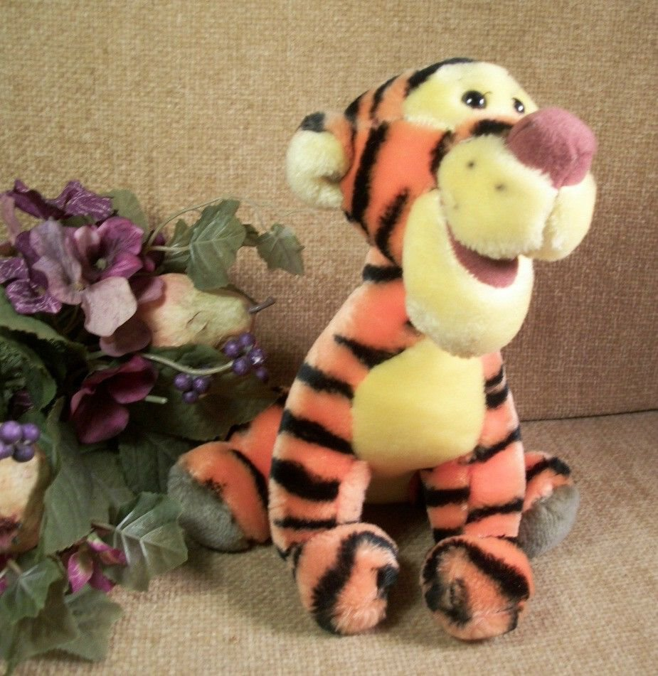 Disney TIGGER Plush Stuffed Animal Disneyana Collectible Toy from Disneyland