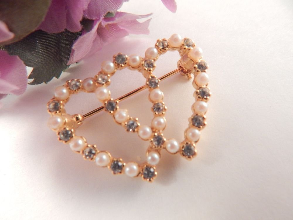 Double Heart Brooch Faux Pearl and Rhinestone Gold Metal Coat Pin VTG Jewelry
