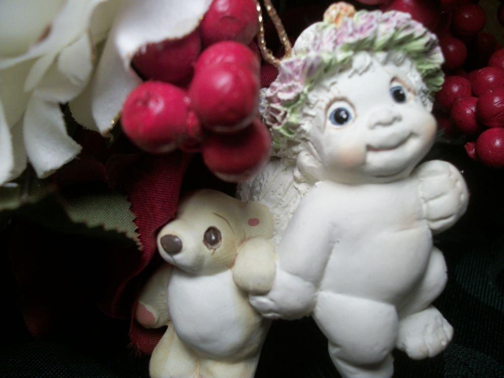 DREAMSICLES Angel CHERUB with BEAR Christmas Tree Ornament  DX282 RARE VTG 1995