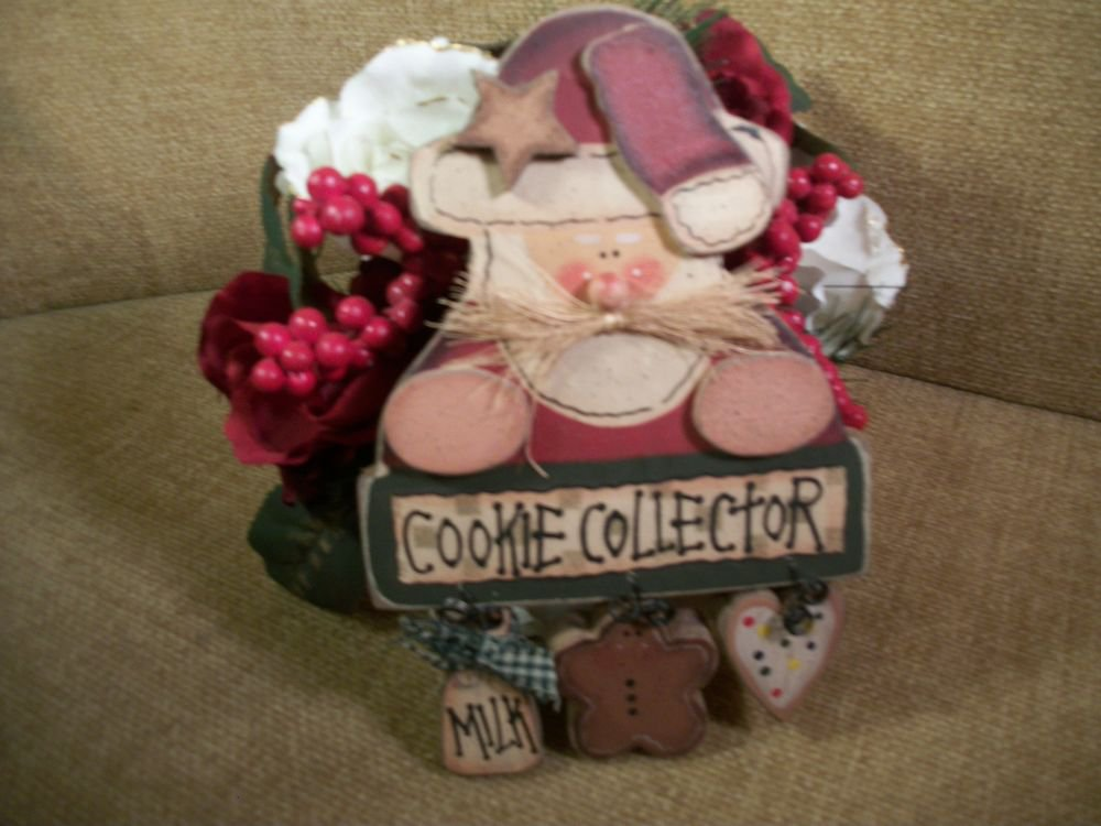Santa Claus Cookie Collector Hand Painted Plaque Wall Hanging Christmas Decor