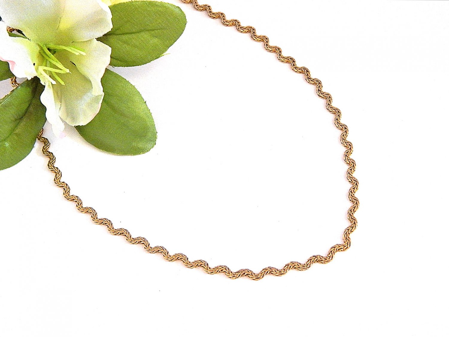 """Monet Signed Jewelry Necklace 16"""" Gold Metal Flat Zig Zag Chain Vintage 1980's"""