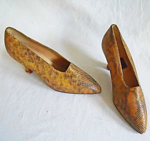 Vintage 70s Maude Frizon Snakeskin Leather High Cut Pointy Pumps Shoes Bootie 37