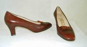 Salvatore Ferragamo Vintage 70s Leather Pumps Shoes Ruched Suede Buckle 7 B