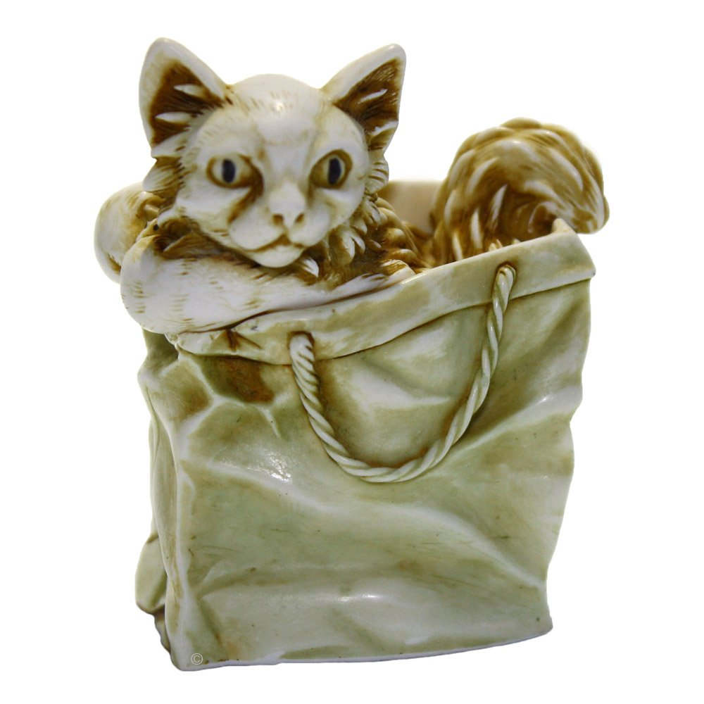 Harmony Kingdom TJCA9 Moggy Bag Cat Figurine Box