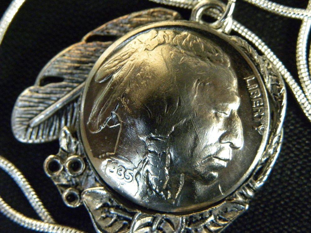 Vintage Handcrafted Artisan Necklace1935 US Real Buffalo Indian Nickel coin