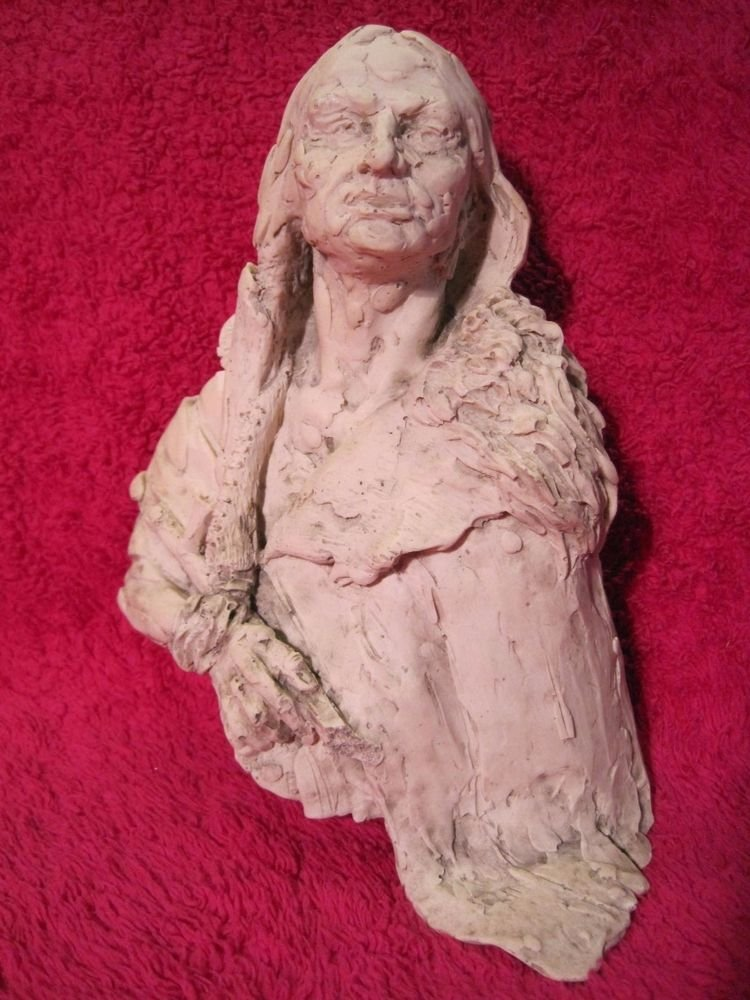 """Native American Indian Chief Warrior Sculpture Sitting Bull 8"""" inches"""
