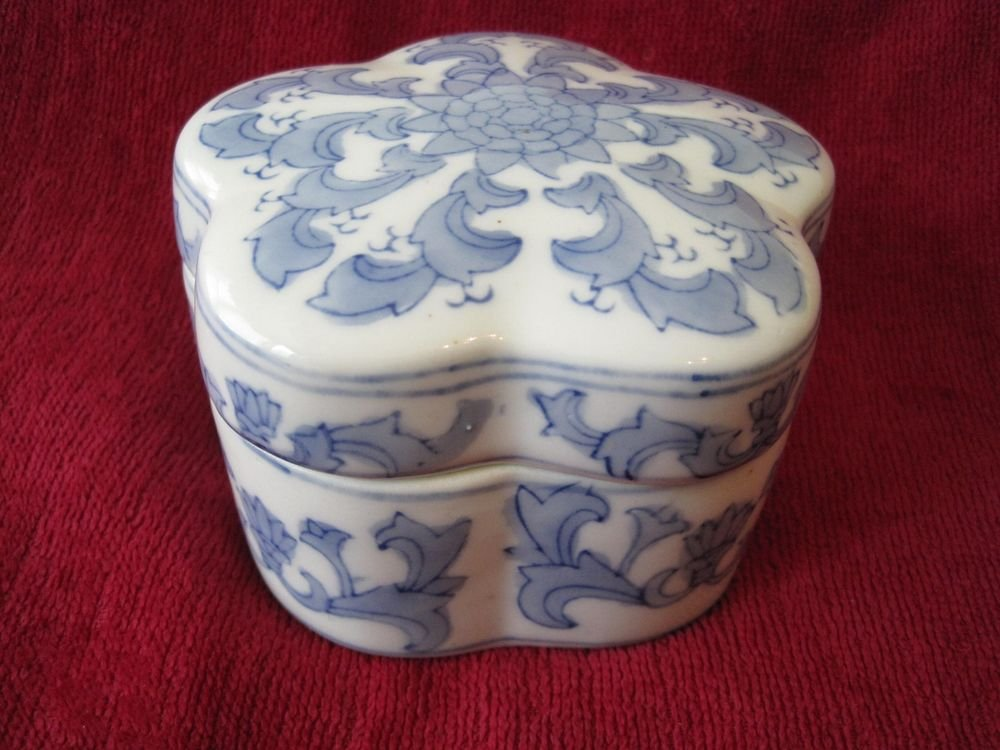 Plum Blossom �� Box Chinese Blue China Porcelain Ink Trinket Case Lid Lidded