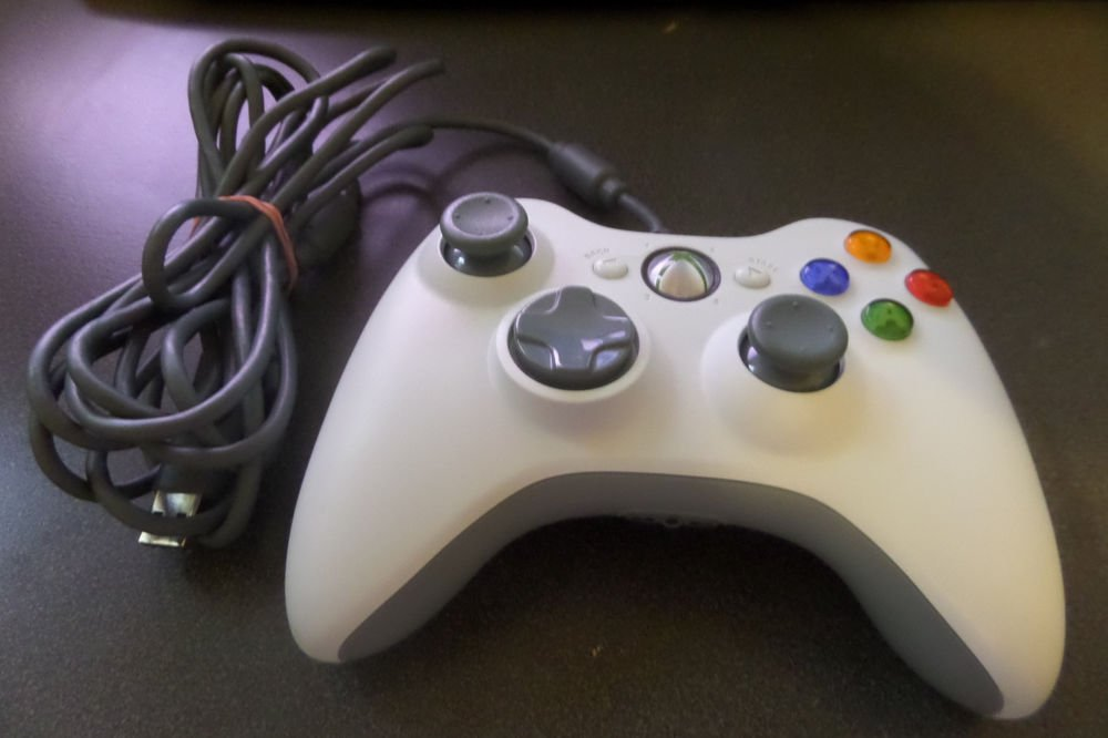 Official Microsoft Xbox 360 Live Genuine White Wired Controller