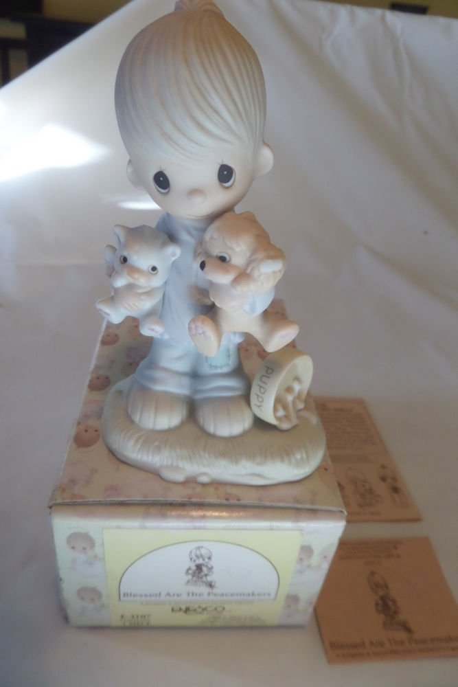 Precious Moments 1979 Blessed are the Peacemakers E-3107