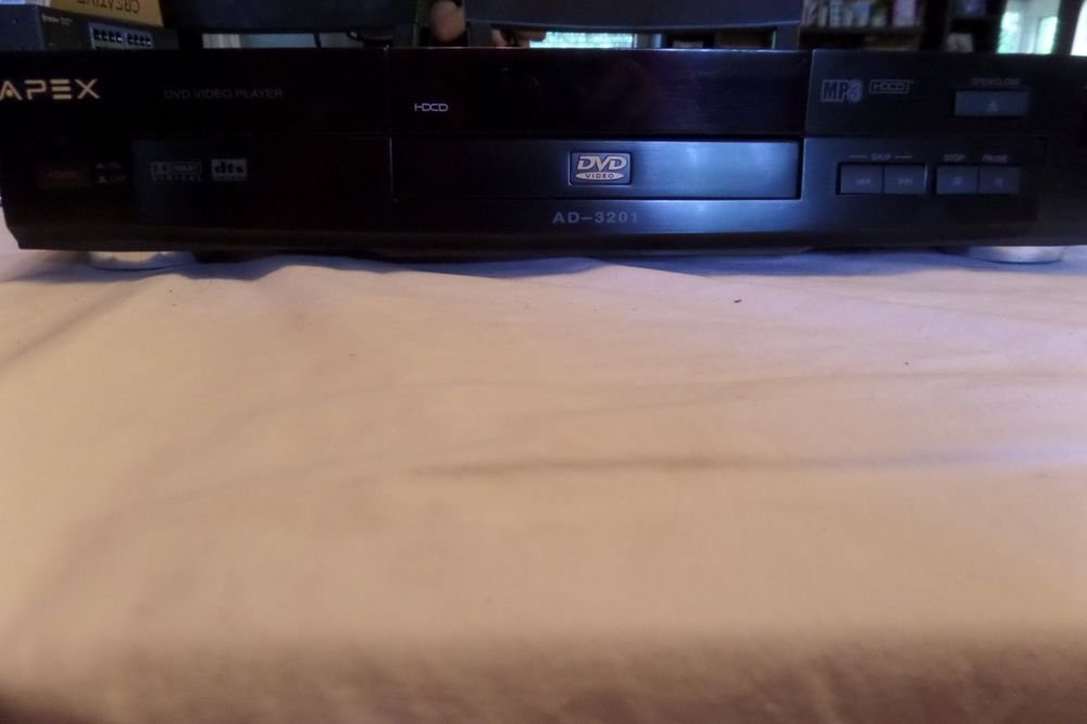Apex AD-3201 Dolby Digital CD/DVD Player