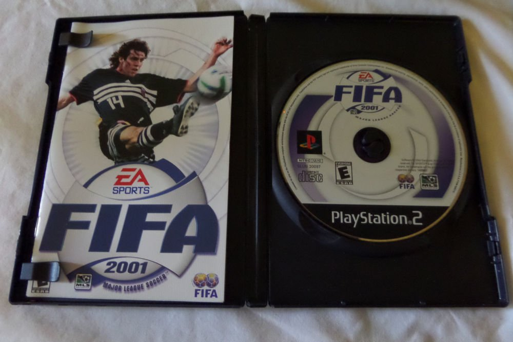 FIFA 2001: Major League Soccer (Sony PlayStation 2, 2000)