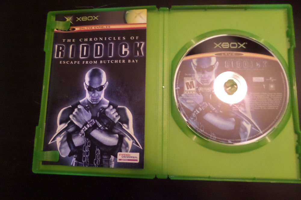 Chronicles of Riddick: Escape From Butcher Bay (Microsoft Xbox, 2004)