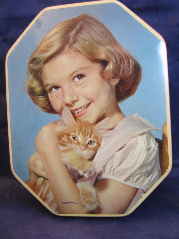 vintage Clarnico English Toffee sweets tin London England candy girl & kitten