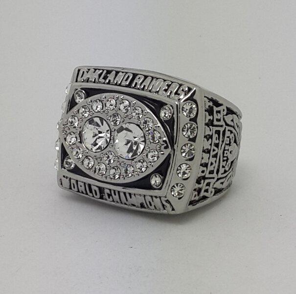 1980 Oakland Raiders XV Super bowl championship ring size 11 Back Solid