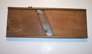 """Antique Slaw Board, T&D Mfg. Co., 14"""" X 6"""""""