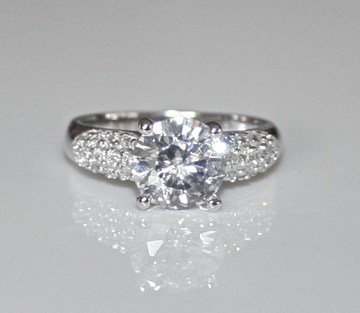 STUNNING STERLING SILVER 8MM 2CT ROUND CUT CZ SOLITAIRE PAVE RING SIZE Q
