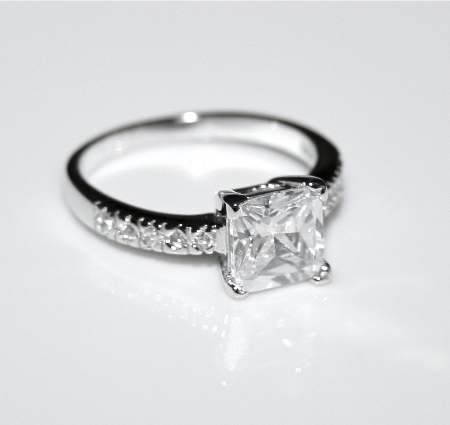STERLING SILVER 7MM 1.6CT PRINCESS CUT CZ SOLITAIRE RING(SIZES H - V)
