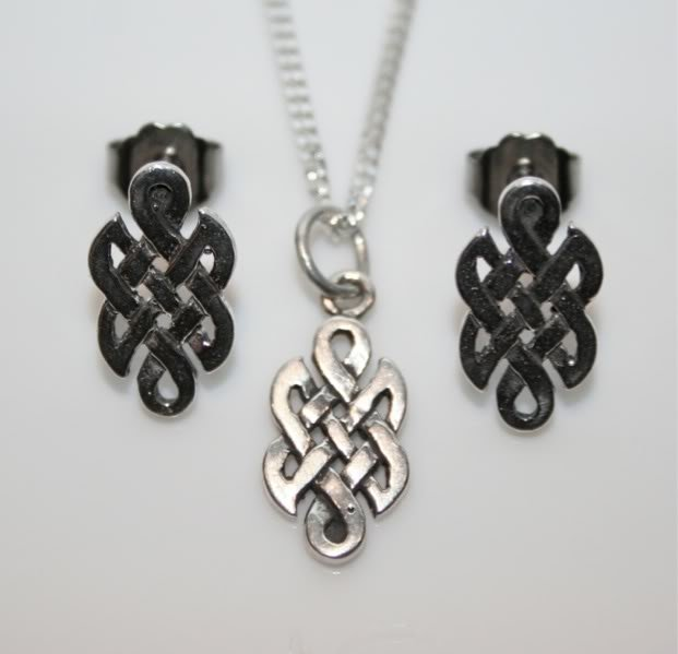 HANDCRAFTED STERLING SILVER CELTIC KNOT EARRING & PENDANT SET
