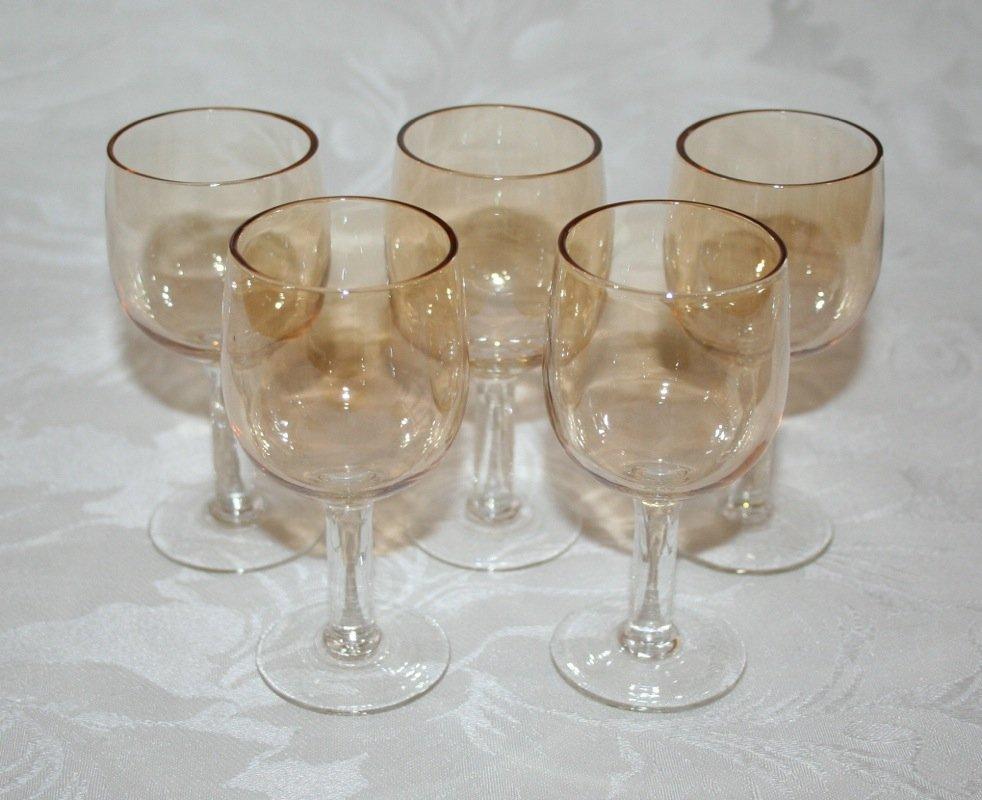 VINTAGE SET OF FIVE 4� PRETTY CHAMPAGNE COLOURED LIQUER GLASSES