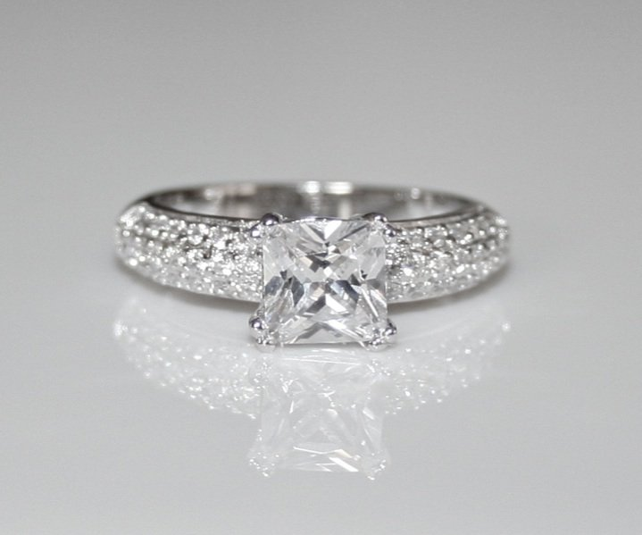 001 STERLING SILVER 7MM 1.6CT PRINCESS CUT CZ RING SIZE L*IMPERFECT*