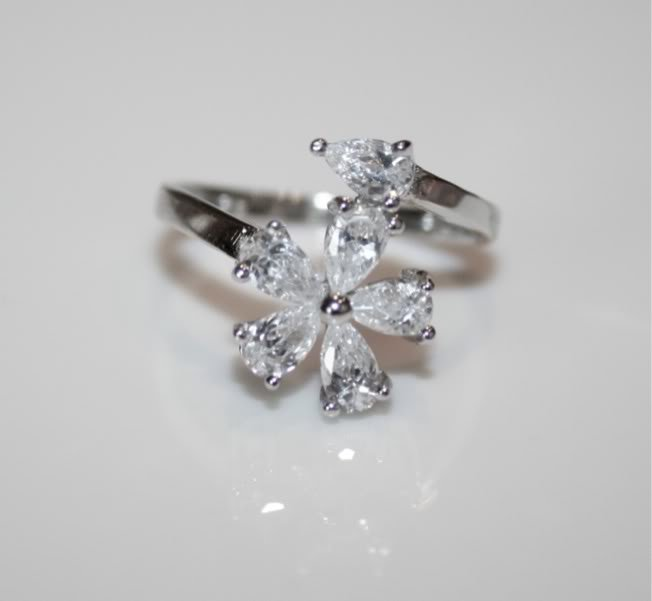 PRETTY STERLING SILVER FLOWER PEAR CUT CZ RING SIZE L 1/2 US 6
