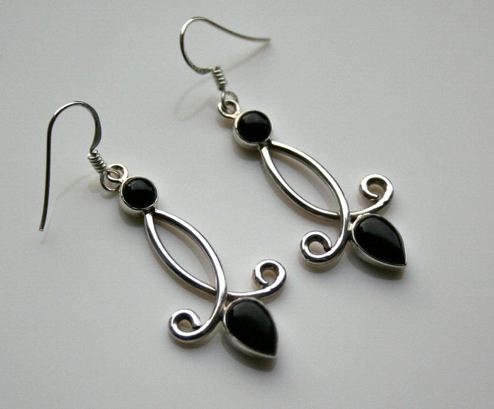 HANDCRAFTED STERLING SILVER AND CABACHON BLACK ONYX DROP GEMSTONE EARRINGS