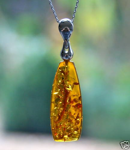 GORGEOUS STERLING SILVER AMBER PENDANT WITH INCLUSIONS & CHAIN