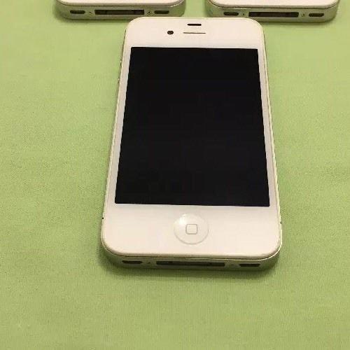 Apple iPhone 4- 16GB - White (Verizon) Smartphone **Read Description**