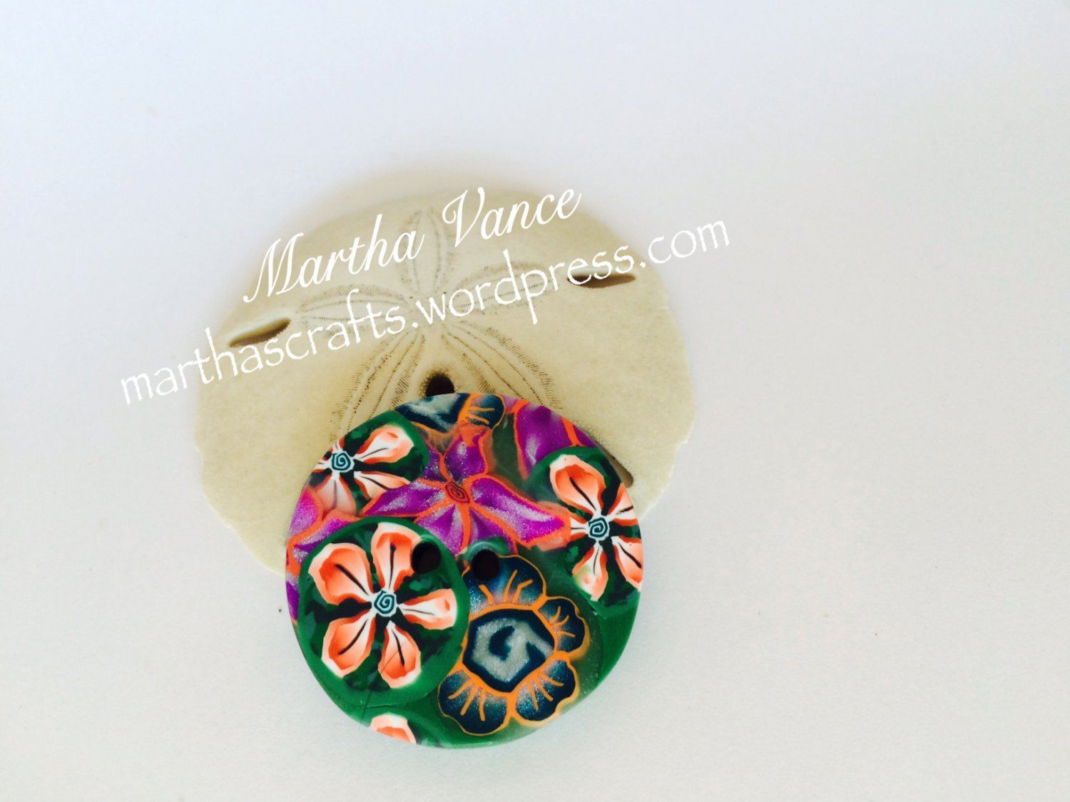 Assorted flowers button