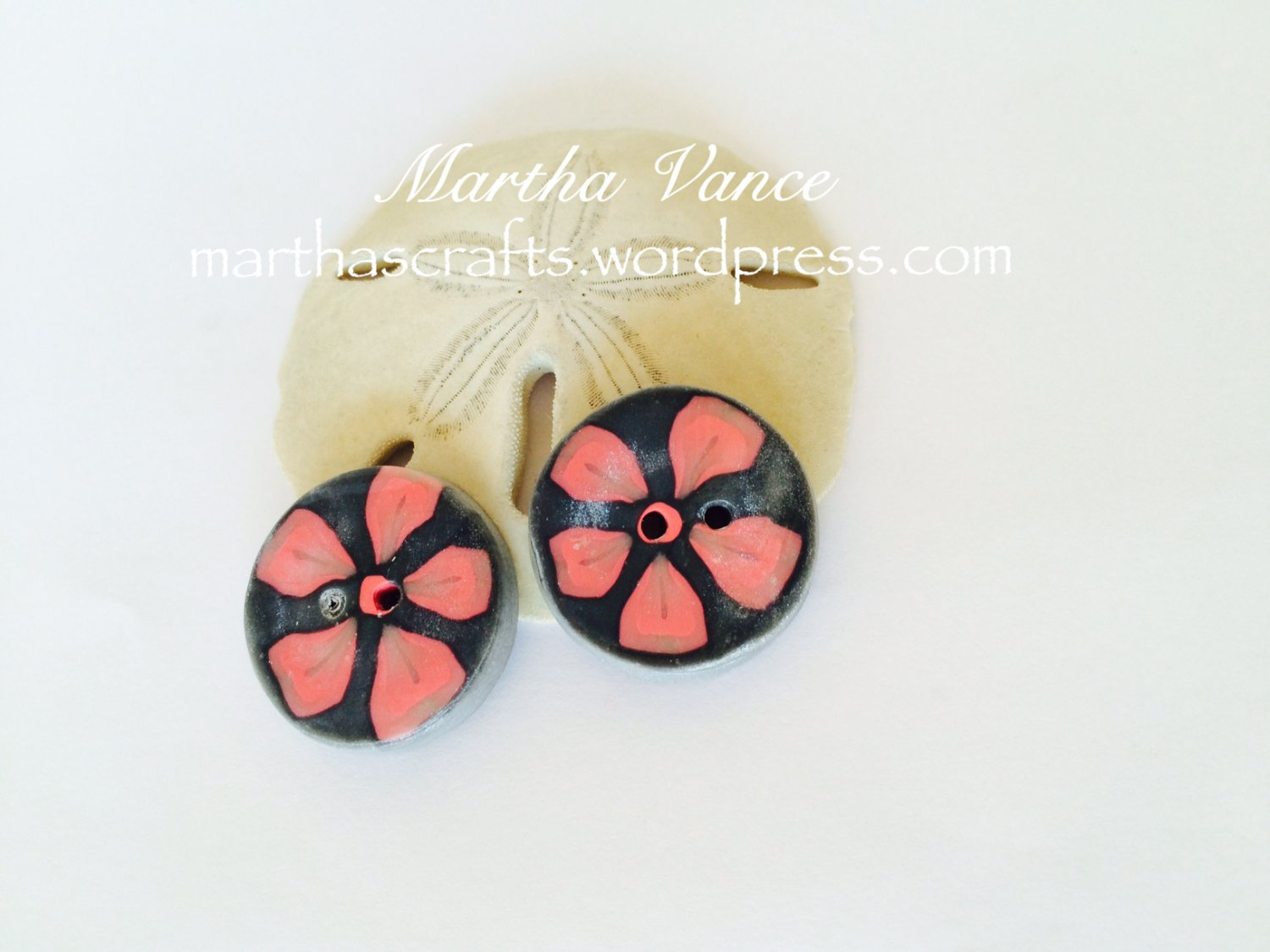 Polymer clay Pink and silver round buttons with flowers