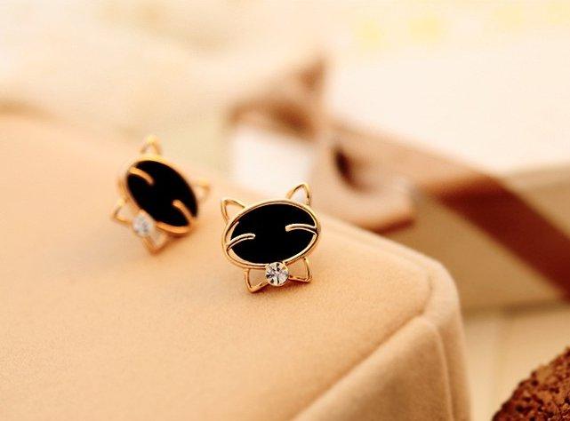 Crystal Maneki Neko Cat Stud Earrings