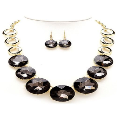 GLASS STONE HALO ROUND NECKLACE EARRING SET  FACETED  16 INCH LONG 3 INCH EXT