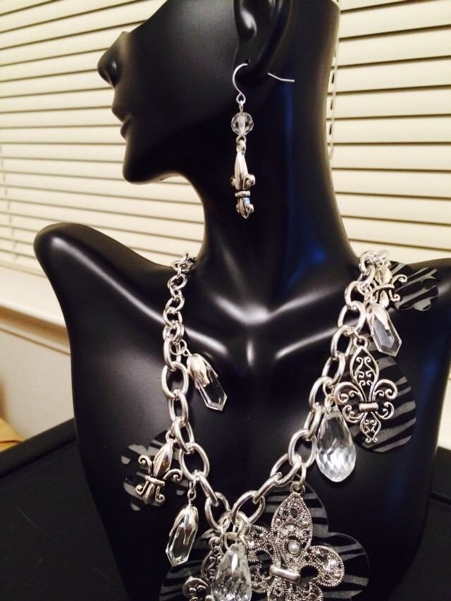 Zebra Print Necklace And Earrings Set