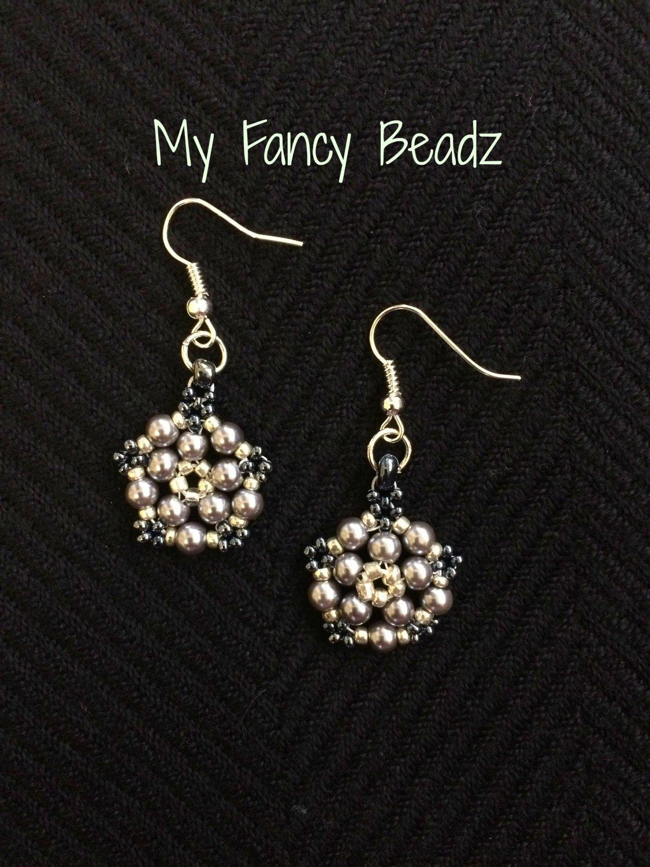 Shades of gray floweret earrings