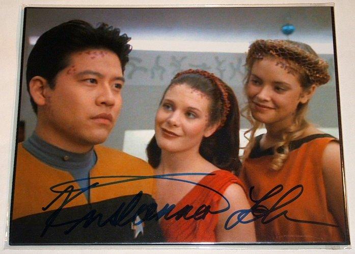STAR TREK Kristanna Loken - Signed picture as Malia in Star Trek - with COA