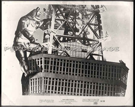 KING KONG ESCAPES - Orig '68 TOHO Movie Photo - ROBOT KONG ON TOWER!